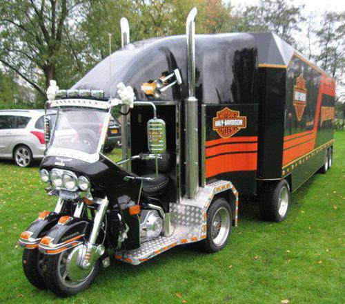 Bikes To Trikes Spokane Wa HOW COOL IS THIS Harley trike