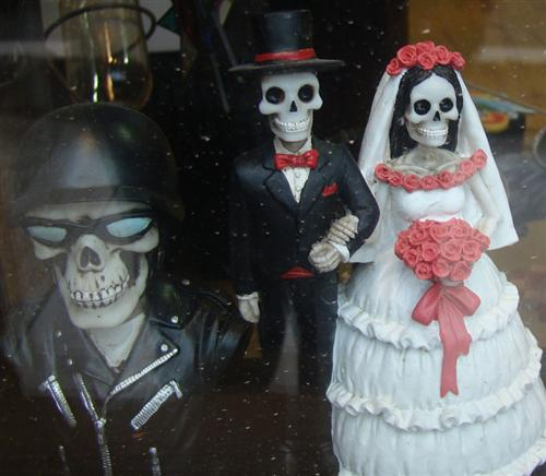 Bikernet Health Warning: Avoid the Day of the Dead and eat right!