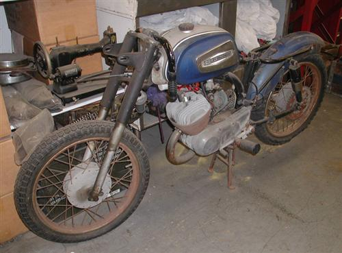 Our pit bike to be, a 1968 125cc Rapido.