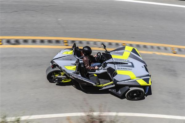 Going uphill or downhill, the Slingshot delivers road-hugging fun galore.