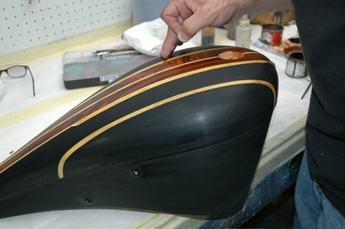 pinstriping wood grain on tank