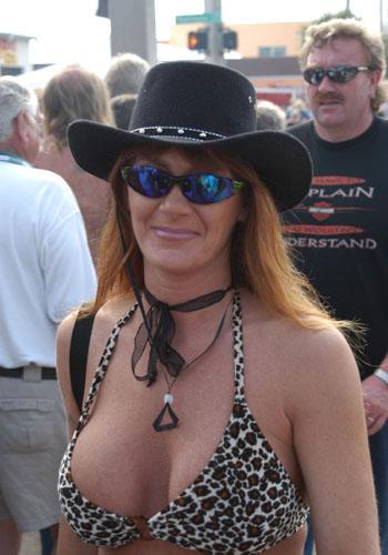 American girl nude showing boobs